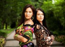 Giovani adulti Due giovani donne Fotografia Stock Libera da Diritti