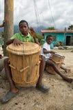 Giovani batteristi di garifuna nella ceiba Honduras della La Fotografia Stock