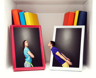 Giovani coppie al litigio fotografie stock