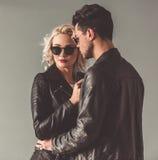 Giovani coppie alla moda Immagine Stock Libera da Diritti