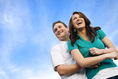 Giovani coppie attraenti che ridono insieme Immagine Stock Libera da Diritti
