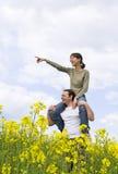 Giovani coppie casuali che hanno divertimento Immagine Stock Libera da Diritti