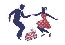 Giovani coppie che indossano 50 vestiti del ` s che ballano rock-and-roll Vettore Fotografia Stock