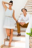 Giovani coppie d'avanguardia eleganti Fotografia Stock Libera da Diritti