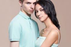 Giovani coppie della ragazza e del ragazzo fotografie stock