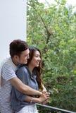 Giovani coppie felici asiatiche fotografia stock libera da diritti
