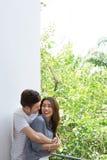 Giovani coppie felici asiatiche immagine stock libera da diritti