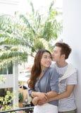 Giovani coppie felici asiatiche immagini stock