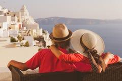 Giovani coppie felici sulla vacanza in Grecia Fotografia Stock