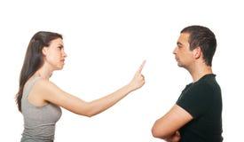 Giovani coppie infelici che hanno un argomento Fotografia Stock Libera da Diritti