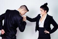 Giovani coppie moderne di affari Immagini Stock