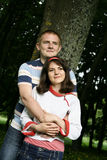 Giovani coppie nel legno Fotografia Stock Libera da Diritti