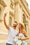 Giovani coppie turistiche Immagini Stock