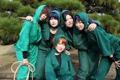 Giovani cosplayers femminili giapponesi, ninja Fotografie Stock Libere da Diritti