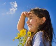 giovani della holding della ragazza di fiori Fotografie Stock