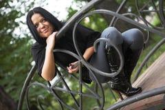 giovani della sosta della ragazza di autunno Fotografia Stock Libera da Diritti