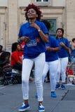 Giovani donne che ballano a Lione Immagini Stock Libere da Diritti