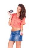 Giovani donne che prendono le immagini con la macchina fotografica d'annata Fotografia Stock