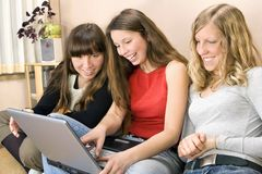 Giovani donne felici Fotografia Stock Libera da Diritti