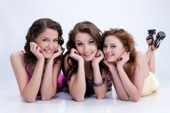 Giovani donne impressionabili immagini stock libere da diritti