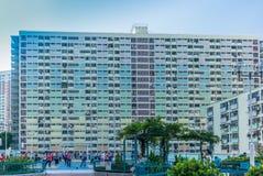 Giovani ed anziani che praticano Tai Chi in Hong Kong - 3 Fotografie Stock Libere da Diritti