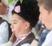 Giovani musicisti nel festival piega in Bulgaria immagine stock