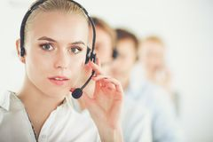 Giovani persone di affari e colleghi positivi attraenti in un ufficio della call center businesspeople Fotografie Stock