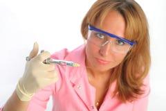 giovani protettivi di ho dei guanti di vetro del dentista Fotografie Stock