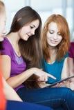 Giovani studenti di college nel codice categoria Fotografia Stock Libera da Diritti