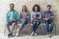 Giovani studenti internazionali Fotografie Stock