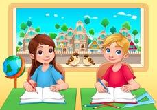 Giovani studenti ragazzo e ragazza nell'aula Immagine Stock Libera da Diritti