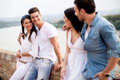 Giovani sul lungomare Fotografie Stock