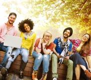 Giovani Team Together Cheerful Concept degli adolescenti immagine stock libera da diritti