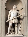 Giovanni dalle Bande Nere i nischerna av den Uffizi kolonnaden, Florence arkivbild