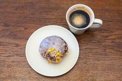 Giovedì grasso - ciambella e caffè Fotografia Stock