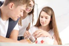 Gioventù a scuola La costruzione dell'occhio Immagine Stock Libera da Diritti