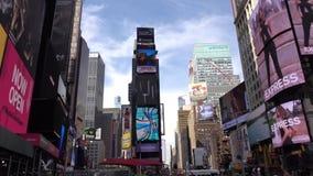 Giper-Versehen Wolkenkratzer am Zeitquadrat New York City stock video