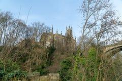 Gipfel-gotische Kirche lizenzfreie stockbilder