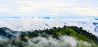 Gipfelansicht von Krajom-Berg. Stockbild