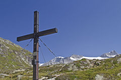 Gipfelkreuz in den Hohen Tauern Stock Photo