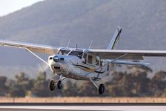 Gippsland aeronautyka GA8 Airvan VH-SXK pojedynczego silnika oszczędnościowy samolot używa dla skydiving operacje obraz stock