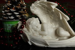Gipsengel - Weihnachtshintergrund lizenzfreie stockfotos