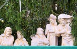 Gipsfigur- und Weihnachtsbaum Stockbilder