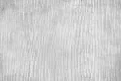 Gipsować betonową ścianę w kreskowym pionowo wzorów, bielu lub szarość sztuki abstrakta tle, zdjęcia royalty free