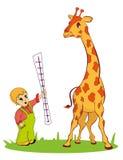 giraffa con il piccolo ragazzo Fotografia Stock Libera da Diritti