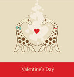 Giraffe - Valentinsgrußtagesbraun stockfotos