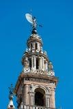 Giralda的塔和尖顶在塞维利亚 图库摄影