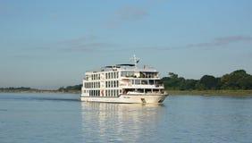 Girando sul fiume di Irrawaddy myanmar fotografie stock libere da diritti