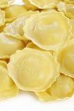 Girasole-Teigwaren auf weißem Hintergrund Stockbilder