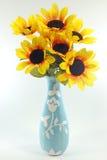 Girasoli in vaso isolato Fotografia Stock